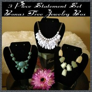 Statement Necklace Bundle & Bonus Jewelry Box